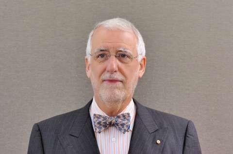 Carillo Gantner, AO