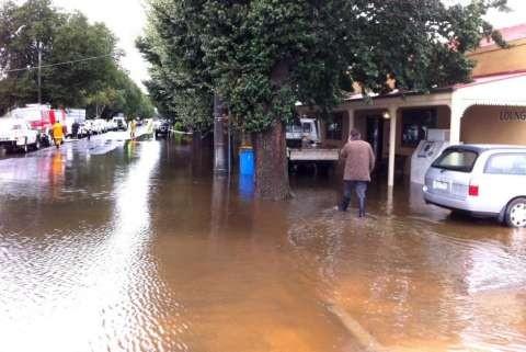 Tallygaroopna Street Flooding 2012