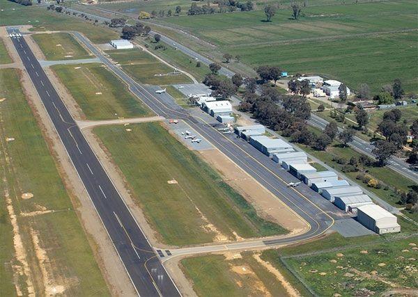 Les 1ers Jeux Impériaux de Sports de Force  Aerodrome1~2000_auto_-1_80_320e